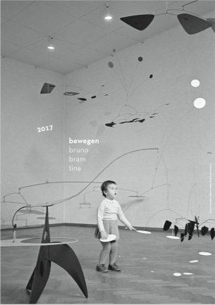 """De kaart van 2017 : een foto van de Calder tentoonstelling """"bewegen"""" en wijze woorden van Bronnie Ware."""